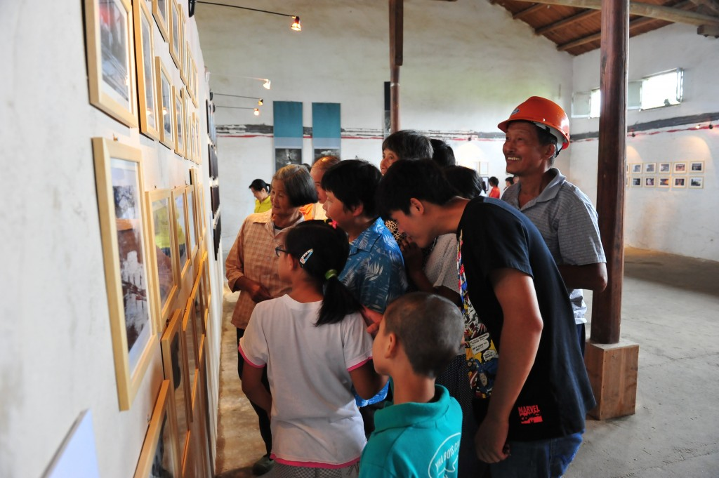 """Mutual Aid & Inheritance""Exhibition_2011 Bishan Harvestival_Bishan Project_photo by Hu Xiaogeng"